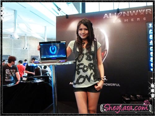Sheylara with Alienware m14x