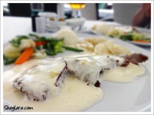 Sirloin steak with Roquefort Sauce